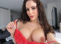 Watch Katie Banks Play